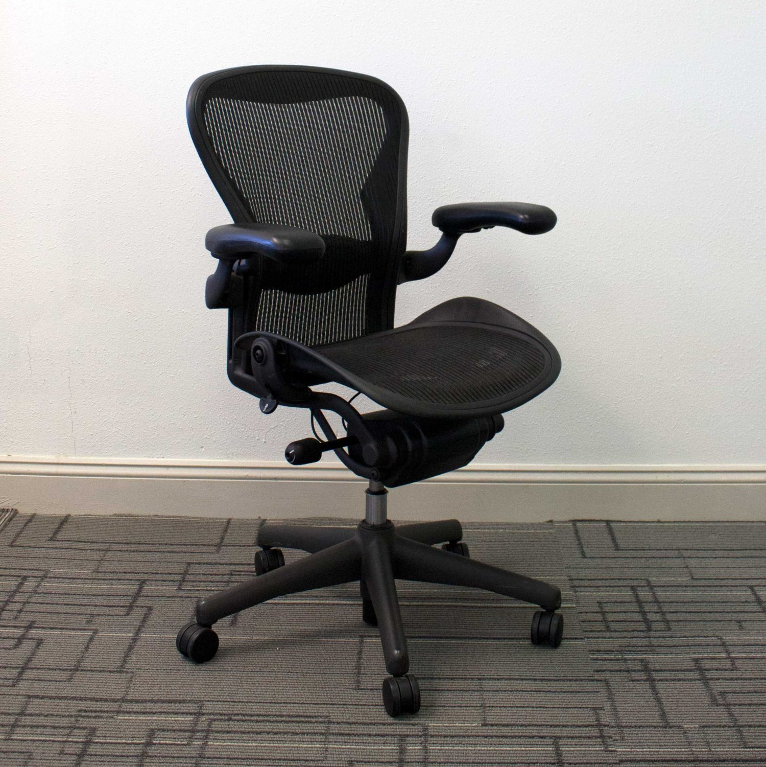 miller chair basic aeron carbon herman b classic